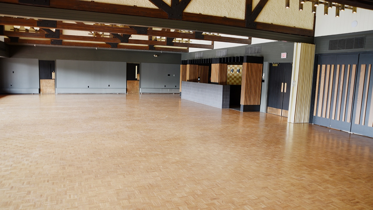 Lakeview Terrace ballroom - private event venue in Calgary - Waterfront Park - Image 3